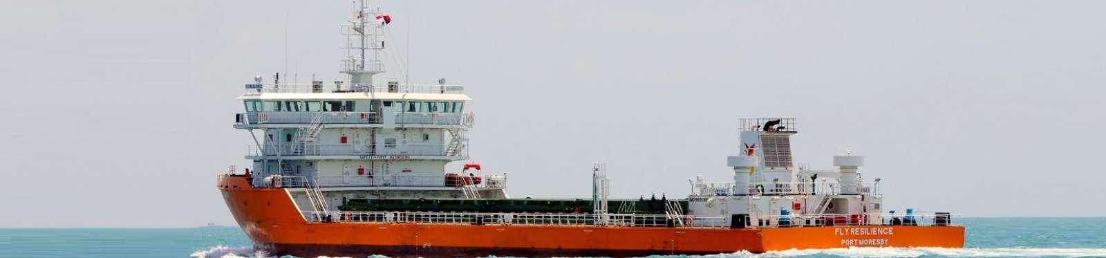 Máy phát điện tàu thủy