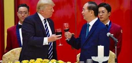 Chủ tịch Phú Thái Cat - Ông Phạm Đình Đoàn dự tiệc chiê - Phú Thái Cat