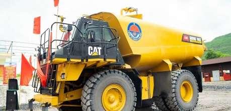 Xe tưới nước dập bụi hiện đại nhất Việt Nam - Phú Thái Cat