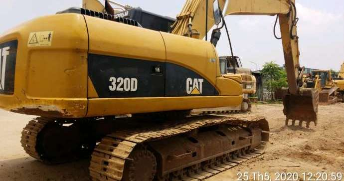 320D (BWZ00885)